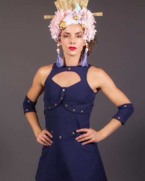 Robe Princesse Guerrière bleu nuit avec bracelet amovible. Robe Xena | Robe courte sexy futuristique steampunk Atlantis