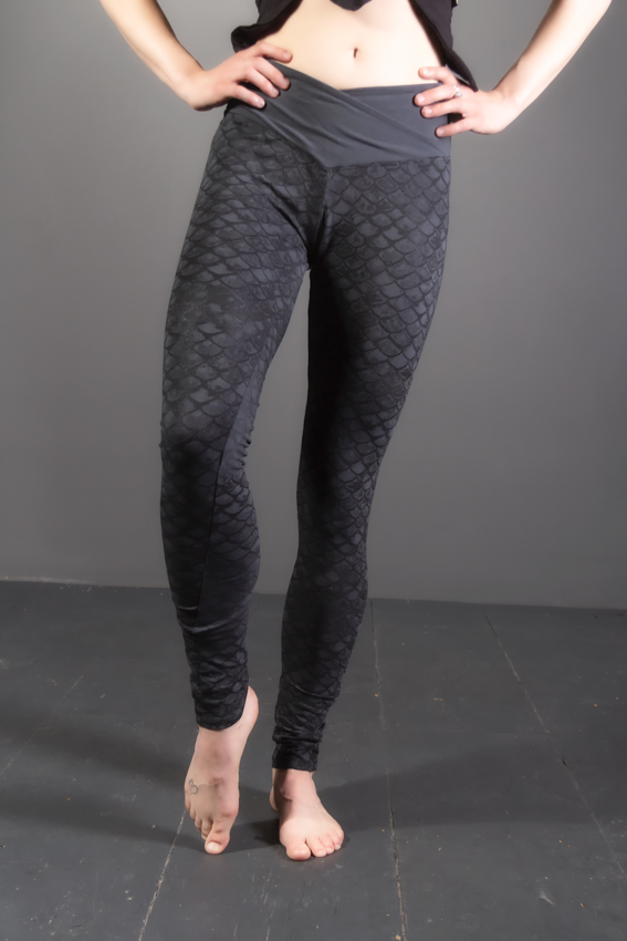 Leggings elemental pour femme en coton motif écaille de poisson leggings de sirène imprimé armure leggings de yoga en fibres naturelles