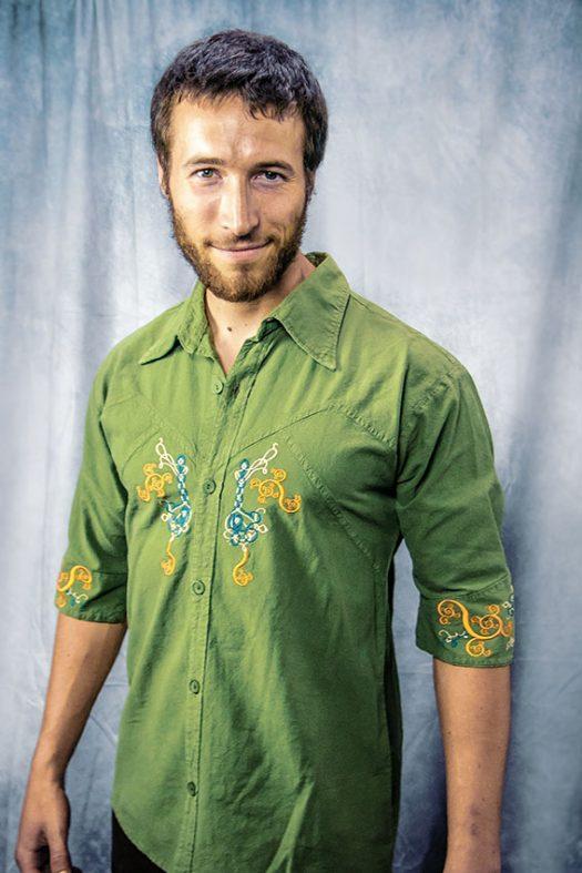 classical spirit chemise manche trois quart verte brode de l arbre de vie celtique et de motifs fractal