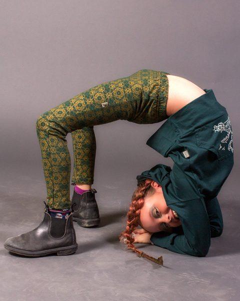 leggings pour enfant vert imprime or de motif de geometrie sacree