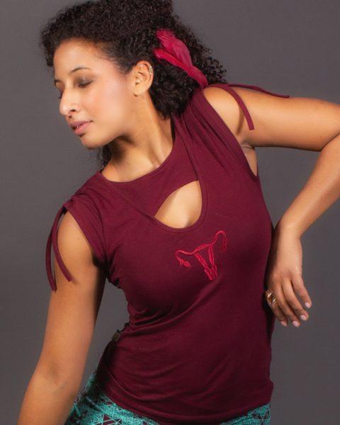 multi-dimension t-shirt uterus chandail uterus vêtement éco-féministe féminin sacré-2