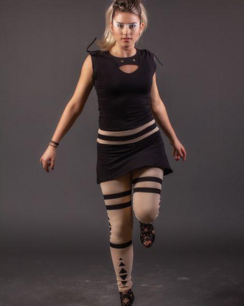 multi-dimensions t-shirt pour femme noir avec snap et bande au cou mancheron rétractable